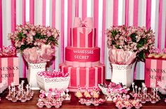 Isso sem ser da victorias secret Mais Victoria Secrets, Victoria Secret Party, Lingerie Party, Wedding Lingerie, Bachlorette Party, 14th Birthday, Pink Parties, Birthday Decorations, Party Gifts