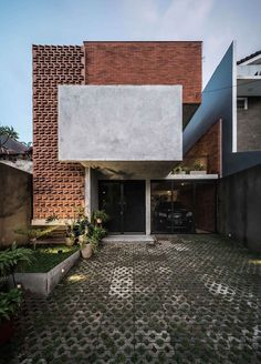 TH House Jakarta By . TH House Jakarta By . Photograph by . The post . TH House Jakarta By . Photo 2019 appeared first on Architecture Decor. Brick Design, Facade Design, Exterior Design, Minimal House Design, Small House Design, Architecture Résidentielle, Contemporary Architecture, Brick Facade, Facade House