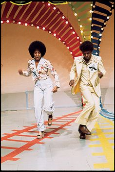 Yes  remember soul train black people good  dance 1970 s