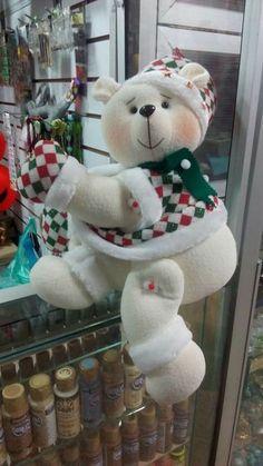 Moldes de este muñeco Christmas Items, Christmas Art, Xmas, Christmas Ornaments, Doll Crafts, Fun Crafts, Diy And Crafts, Christmas Centerpieces, Christmas Decorations