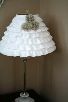Adorable, easy DIY ruffle lamp shade - no sewing. I always see lampshades at garage sales, this is a super cute idea! This would make a great lamp shade in Aubrei's room on her cute dresser from Grandma's attic ; Ruffle Lamp Shades, Cute Crafts, Diy Crafts, Do It Yourself Fashion, Fru Fru, Home And Deco, My New Room, Lampshades, Diy Lampshade