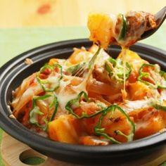 鯖缶とジャガイモのトマト煮、トマトチーズ焼き