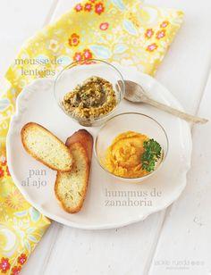 Mousse de lentejas, hummus de zanahoria y pan de ajo