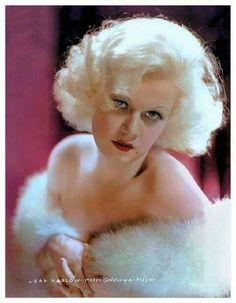 Jean Harlow – (Harlean Harlow Carpenter, bola americká filmová herečka a sexuálny symbol z roku 1930.  * 3.3.1911 - Kansas City, Missouri, USA  † 7.6.1937 (Zlyhanie obličiek) - Los Angeles, Kalifornia, USA - Miesto odpočinku: Forest Lawn Memorial Park, Glendale , Kalifornia.....Manžel: Charles McGrew (1927-1929) - Paul Bern (1932-1932, jeho smrť) - Harold Rosson  (1933-1934)