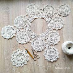 Fabulous Crochet a Little Black Crochet Dress Ideas. Georgeous Crochet a Little Black Crochet Dress Ideas. Crochet Diagram, Crochet Motif, Irish Crochet, Crochet Doilies, Crochet Flowers, Crochet Lace, Crochet Patterns, Pull Crochet, Crochet Jumper