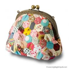 A hexie purse! I LOVE THIS