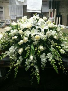 Rose Garden Florist - Paducah Kentucky all white casket spray memorial flowers funeral flowers Casket Flowers, Altar Flowers, Church Flowers, Funeral Flowers, Top Flowers, Flowers Garden, Funeral Floral Arrangements, Large Flower Arrangements, Funeral Caskets