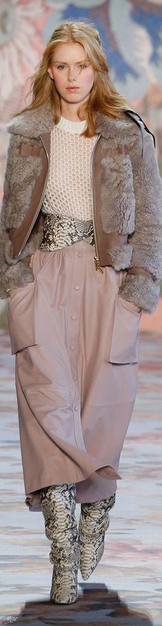 Fall 2018 RTW Zimmermann Only Fashion, Fashion 2018, Runway Fashion, High Fashion, Fashion Show, Womens Fashion, Fashion Design, Fashion Trends, Trent Coat