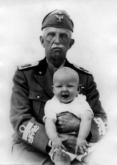 circa 1937: King Victor Emmanuel III of Italy (1869 - 1947), of the Savoy dynasty, with his grandson the Prince of Naples,who became the Crown Prince in May 1946. (Photo by Keystone/Getty Images)