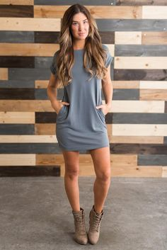 Super style casual outfits ideas for spring summer fashion trendy outfits 2019 Party Dresses For Women, Summer Outfits Women, Trendy Dresses, Casual Dresses, Outfit Summer, Tshirt Dress Outfit, Dress Outfits, Blue T Shirt Dress, Mom Dress