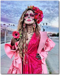 Love Catrina ♥ / day of the dead / Lily Martinez Halloween Makeup Sugar Skull, Sugar Skull Costume, Cute Halloween Makeup, Celebrity Halloween Costumes, Family Halloween Costumes, Halloween Outfits, Mexican Halloween Costume, Sugar Skull Dress, Skull Makeup