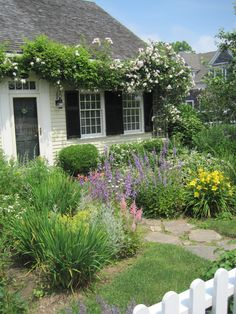 Chatham garden, Chatham, MA.  I want to live there! Do I get to have rabbits?