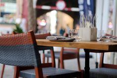 Resultado de imagen de restaurant table