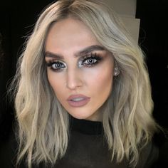 This make up though...