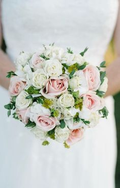 Wedding flowers #wedding #bouquet #roses #weddingbouquet