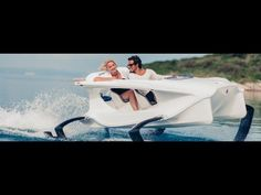 Tech News 24h: Quadrofoil - The first all electric hydrofoiling personal watercraft (video)