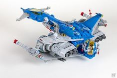 Classic space: upscaled, armed and dangerous Lego Design, Lego Moc, Lego Krieg, Classic Room, Lego Space Station, Lego Space Sets, Lego Machines, Lego Boxes, Lego Ship