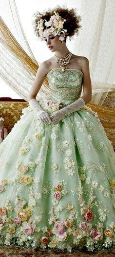 #robe #mariage #noce #mode #mariée #dentelle #broderie