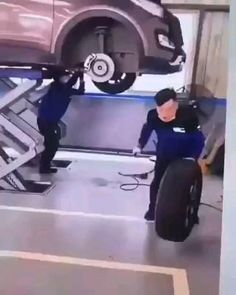 Tired Gif, Fantasy Weapons, Really Funny Memes, Funny Clips, Super, I Laughed, Fails, Wheels, Relax