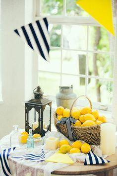 夏本番!爽やかで夏らしいお部屋に模様替えしたい季節ですね。お部屋をマリンテイストに見せるポイントを押さえて、効率よくおしゃれな部屋づくりをしましょう♪小物を変えたり100均商品をアレンジすれば、簡単に夏らしいお部屋になります!夏小物のコーディネートを楽しんで、気持ちのいい涼しげなお部屋で夏を乗り切りましょう。季節を感じるおしゃれで素敵な部屋作りの方法をご紹介します♪