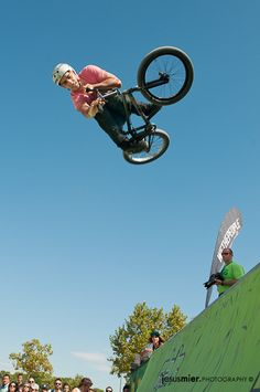 Menudo vuelo,  BMX by jesus mier, via Flickr #photography #bmx #sports