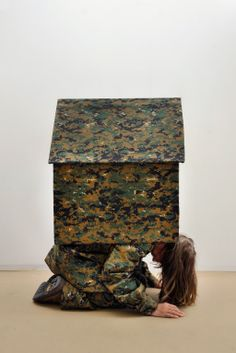 Camouflage, house, Guda Koster  Photoprint www.gudakoster.nl