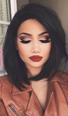 Gorgeous Makeup: Tips and Tricks With Eye Makeup and Eyeshadow – Makeup Design Ideas Prom Hairstyles For Short Hair, Funky Hairstyles, Short Hair Cuts, Crazy Hair Cuts, Spring Hairstyles, Undercut Hairstyles, Latest Short Haircuts, Trendy Haircuts, Bob Haircuts