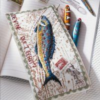 Une trousse brodée d'un poisson http://www.marieclaireidees.com/,une-trousse-brodee-d-un-poisson,2610153,39384.asp