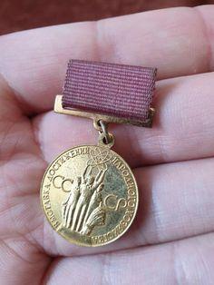 Vintage Militaria USSR badge pin