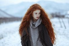Image via We Heart It https://weheartit.com/entry/159890398/via/24664606 #beautiful #clothes #cute #fashion #fashionable #ginger #girl #hair #longhair #perfect #redhair #redhead #snow #style #twilight #vampire #victoria #winter #gorgeoushair
