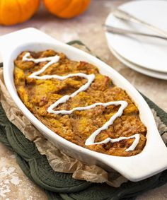 Pumpkin Pie French Toast Bake {Low fat, Lower Calorie & Whole Wheat} - Food Faith Fitness (Low Calorie Bake Goods) Healthy Pumpkin Pies, Baked Pumpkin, Pumpkin Recipes, Fall Recipes, Pumpkin French Toast, French Toast Bake, Cheese Recipes, Cooking Recipes, Cheese Food