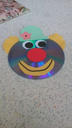 crafts for kindergarteners Clown Handwerk Idee - Herz Clown Crafts, Circus Crafts, Cd Crafts, Bear Crafts, Monkey Crafts, Preschool Crafts, Easy Paper Crafts, Easy Craft Projects, Easy Diy Crafts