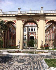 A parte de trás do #PalazzoReale de #Gênova! #Itália by taindopraonde