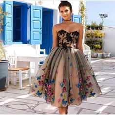 Amazing dress with butterflies !