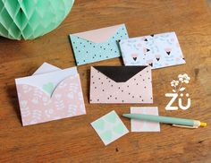 FREE printable DIY Saint-Valentin envelope paper with tiny hearts - Zü Heart Envelope, Diy Envelope, Diy And Crafts Sewing, Diy Crafts, Freebies, Crafts For Teens, Craft Videos, Scrapbook, Stationery