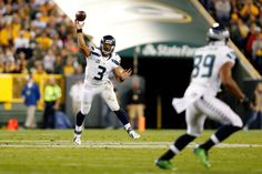 QB Russell Wilson wants to bring the Sonics back to Seattle