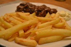 Een heerlijke mals stoofpotje, lekker met pasta of friet! Heavenly, Stew, Pasta, Homemade, Meat, Food, Home Made, Essen, Meals