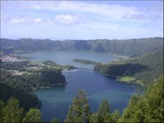 Sete Cidades Lagoon - Places to visit - Ponds and Water Falls - Portugal - Lifecooler
