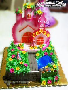 castle cake  from http://loveliana-online.blogspot.com/