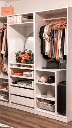 Bedroom Built In Wardrobe, Wardrobe Room, Bedroom Closet Design, Master Bedroom Closet, Closet Designs, Home Room Design, Wardrobe Storage, Shoe Storage Walk In Closet, Drawers In Closet