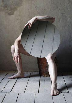 reflete o chão e cobre a alma
