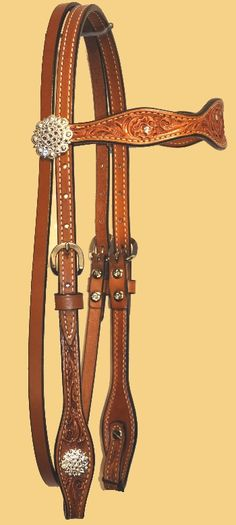 I like how there is a bit of bling but not overt and I could use this everyday without stressing about it.  Also matches J. Jetslau saddle and breastcollar.