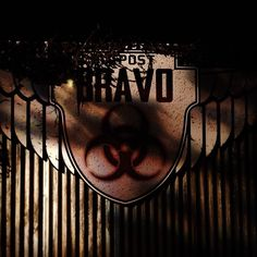 Aim for the head or die @knottsscaryfarm Stay tuned for more frightful fun.  Be sure to like us here for more horrifically themes content!  #knottsscaryfarm  #knotts