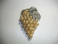 Crown Trifari Alfred Philippe Large Pearl Rhinestone Grape Fur Clip Magnificent   eBay