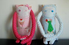 Handmade soft plush with long arms to hug YOU! More info @ https://www.facebook.com/mu.xi.cu and http://muxicu.blogs.sapo.pt/