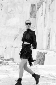 #Dundas #fashionweek #fashion #SS21 #RTW #lookbook Fashion News, Fashion Beauty, Fashion Show, Fashion Outfits, Fashion Trends, Fashion Clothes, Vogue Paris, Fashion Calendar, Strong Shoulders