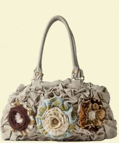 Cute purse with detachable flowers....