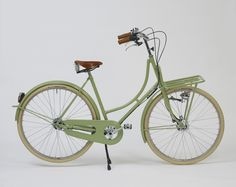Betty: classic dutch bicycle from Beg Bicycles #bicycles #dutchbicycles