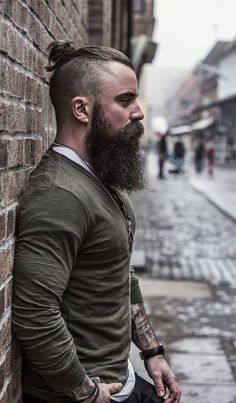 Various men go for Viking Beard Styles, which is considered as the most unique and stylish beard look. There are several kinds of Viking Beard Styles from w Viking Beard Styles, Beard Styles For Men, Hair And Beard Styles, Hair Styles, Great Beards, Awesome Beards, Beard Growth, Beard Care, Beauté Blonde