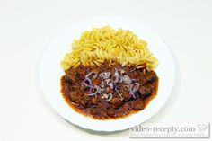 Recept Feferonkový vepřový guláš - feferonkový guláš s těstovinami